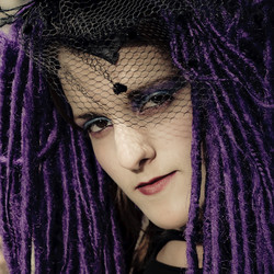 Head shot of a gothic model