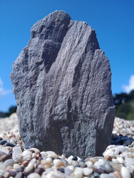 MDA Vario IV photo - Rock on a pebble beach